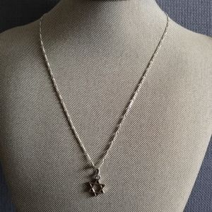 Sterling  silver star necklace 17in